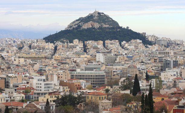 Ateenan hienostoalueilla asuvat eivät halunneet maksaa uima-allasveroa.