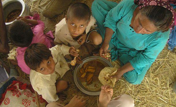 PAKISTAN Yli 10 miljoonaa pakistanilaista menetti kotinsa elokuun rajuissa tulvissa.