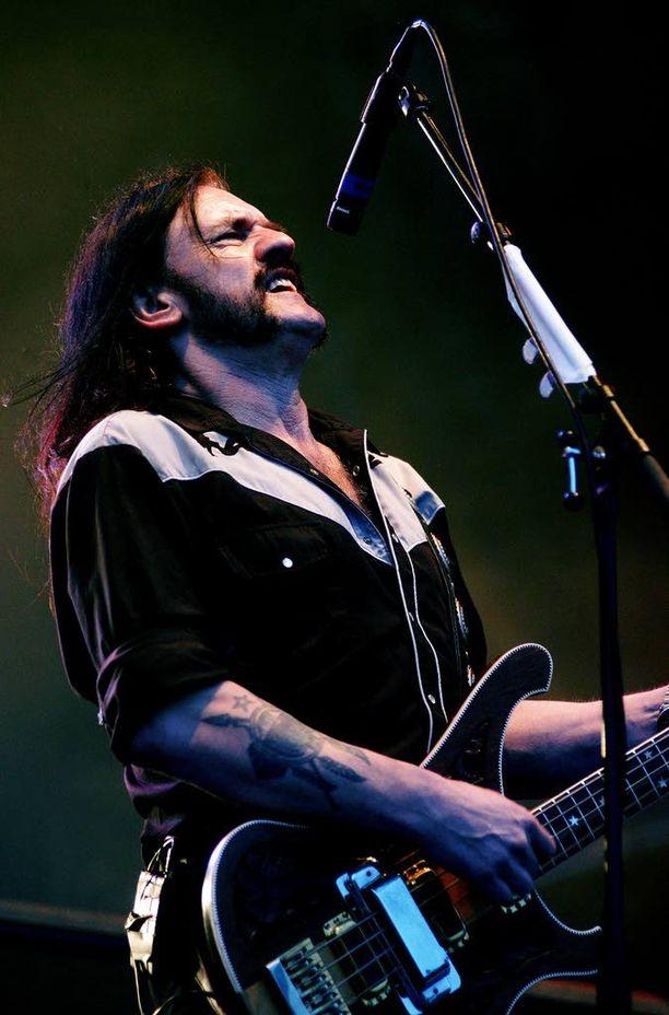 Kesällä 2004 Motörhead valloitti Ruisrockissa Turussa.