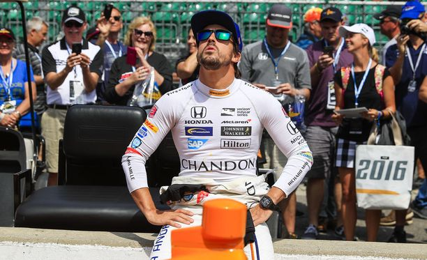 Fernando Alonso on yhä mukana Indy 500 -ajon paalupaikkataistelussa.