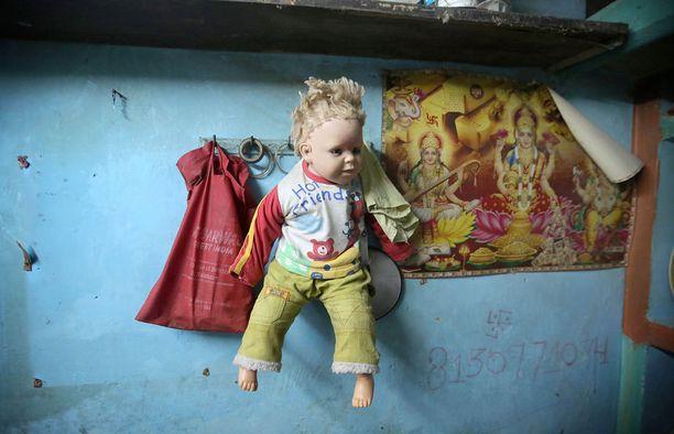 Tämä nukke kuuli nelivuotiaalle raiskauksen uhrille.