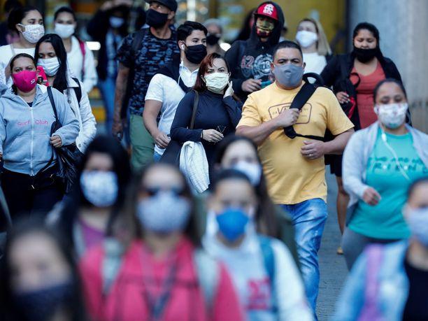Brasilia ylitti miljoonan koronavirustartunnan rajan perjantaina. Kuva Sao Paulosta.