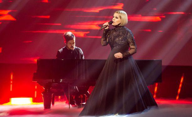 Lasse Piirainen ja Leena Tirronen edustavat Suomea euroviisuissa.