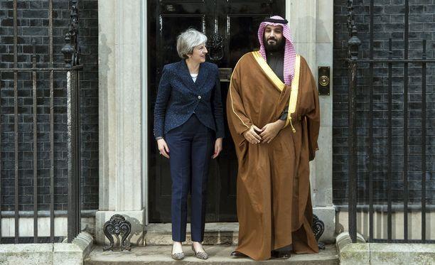 Saudi-Arabian kruununprinssi Mohammed bin Salman vieraili Britannian pääministerin Theresa Mayn luona Lontoossa maaliskuussa.
