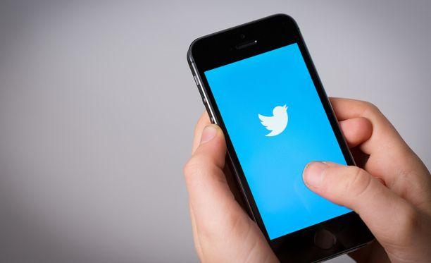 Twitterissä voi jatkossa seurata 400 tiliä päivässä.