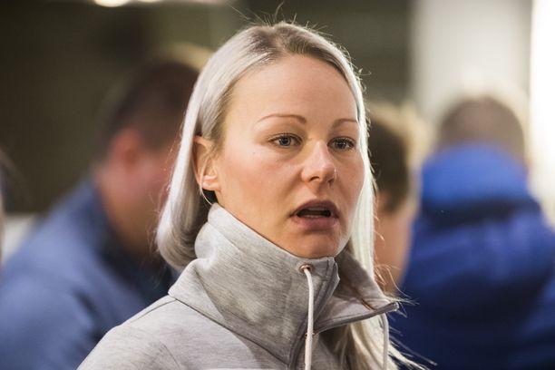 Viikon päästä 31 vuotta täyttävä Anne Kyllönen palaa vähitellen laduille selkäoperaation jälkeen.