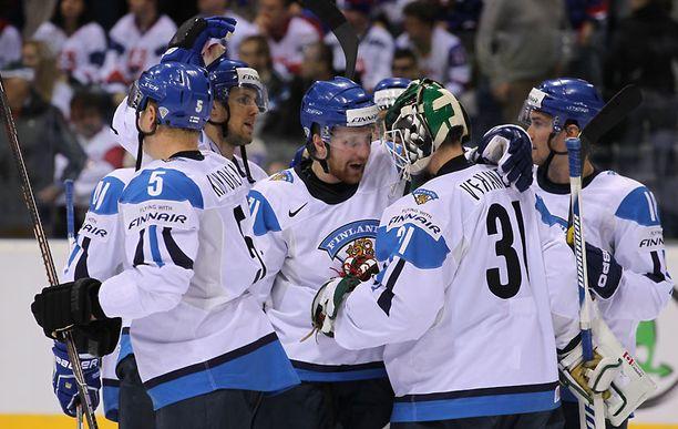 Suomi varmisti voitollaan paikan pudotuspeleissä.