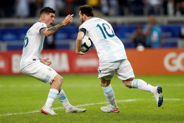 Lionel Messin tähdittämä Argentiina joutuu vääntämään mestaruusunelmansa jatkumisesta Qatarin kanssa.