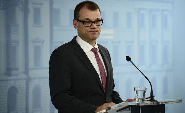 - Malli on ilman muuta poliittisten päätösten takana, eivät ne siirry markkinavoimille, totesi Juha Sipilä yhtiöittämisestä.