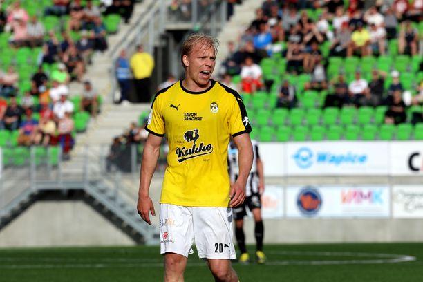 Ville Saxman teki voittomaaliksi jääneen KuPSin 2–0-osuman maanantaina Vaasassa.