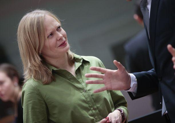 Ministeri Hanna Kosonen on hapuillut lausunnoissaan.