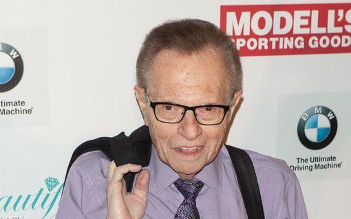 Talk show -legenda Larry King, 87, sairastui koronaan – ollut sairaalahoidossa jo toista viikkoa