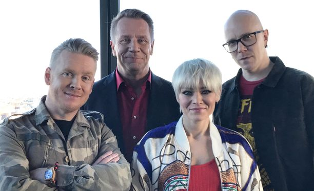 The Voice of Finland -tuomarit Redrama (vas), Olli Lindholm, Anna Puu ja Toni Wirtanen.