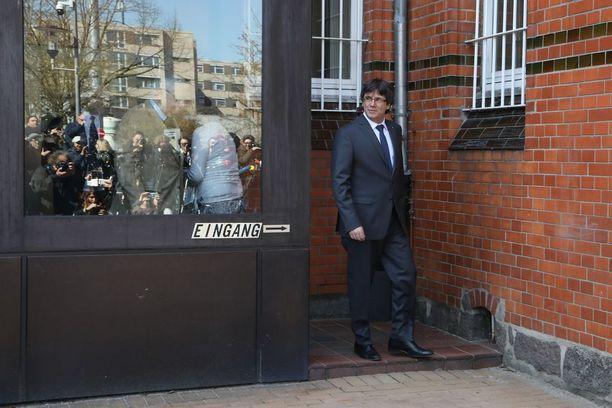Puigdemont astui vapauteen suuren mediahuomion saattelemana Saksan Neumünsterissä.