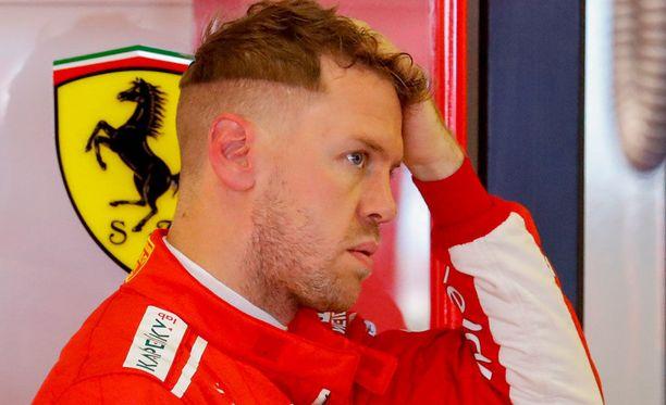 Sebastian Vettel pettyi siihen, että varikkotytöt poistettiin F1-kisoista.