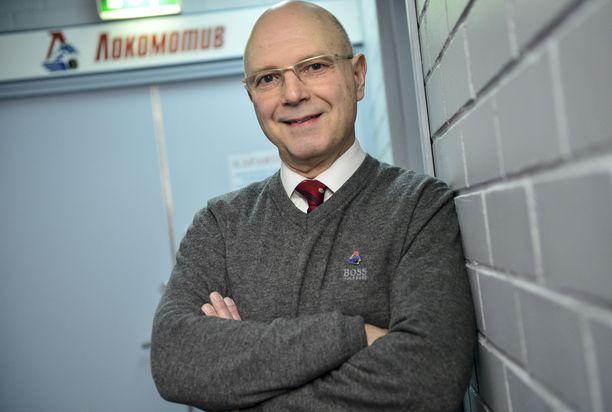 Jorma Valtonen on komean peliuransa jälkeen toiminut valmentajana. Kuva on vuodelta 2014.