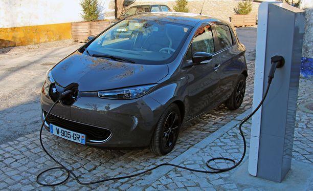 Tätä Ranskan hallitus haluaa, uusi ranskalainen sähköauto. Mutta valitettavasti aika hinnakas.