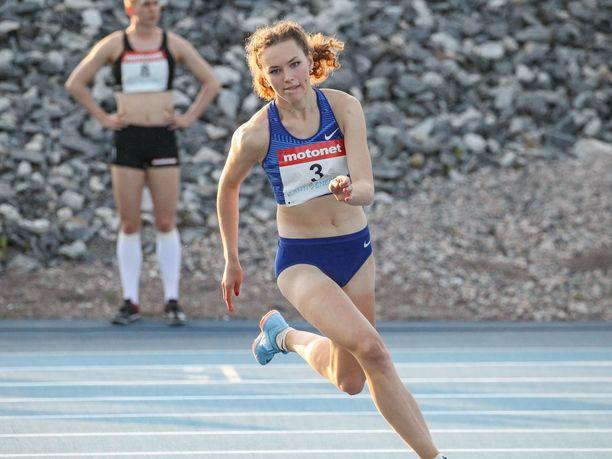 Ella Junnila jättäytyi korkeusfinaalista Puolassa.