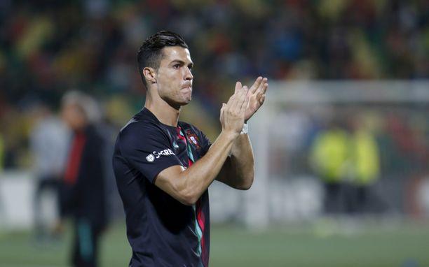Cristiano Ronaldo ei ollut koskaan aiemmin nähnyt Pier Morganin näyttämää videosta portugalilaisen isästä .