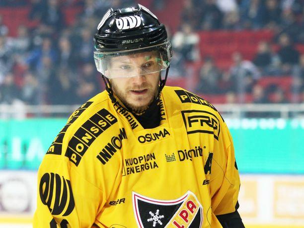 Jaakko Rissanen pelaa ensi kaudella SHL:ssä.