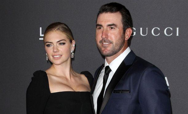 Viisi vuotta seurustelleet Kate Upton ja Justin Verlander kihlautuivat tänä vuonna.