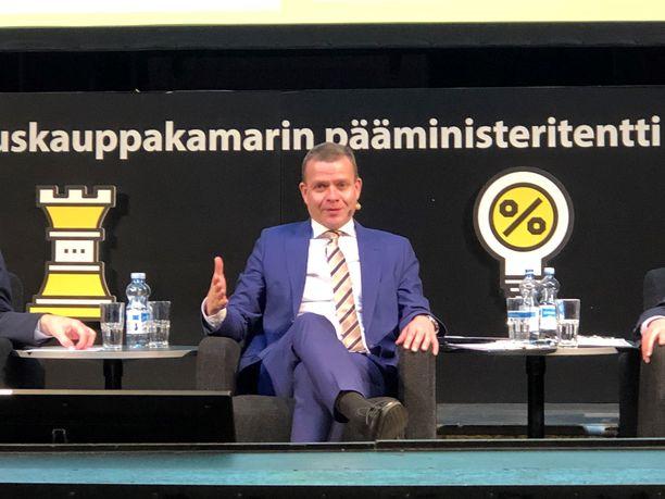 Petteri Orpo oli vielä tiistaina mukana Keskuskauppakamarin pääministeritentissä.