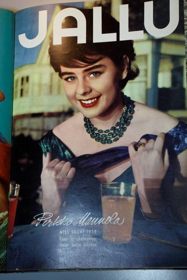 Suomalaiset julkkiskaunottaret olivat hyvin edustettuina Jallun ensimmäisten vuosien aikana, kuten vuoden 1958 Miss Suomi Pirkko Mannola.