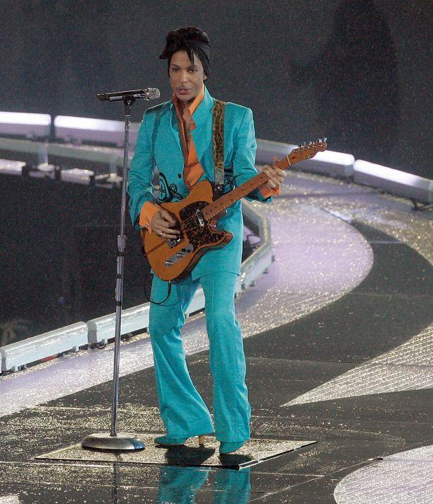 Prince oli pituudeltaan noin 157-senttinen.