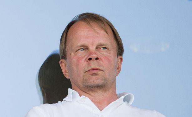 - Voi tietysti kysyä, oliko se niiden rankkari todella rankkari, Klubi-pomo Olli-Pekka Lyytikäinen pohti.