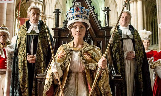 Victoriasta tulee kuningatar vain 18-vuotiaana, kun hänen edeltäjänsä kuolee.