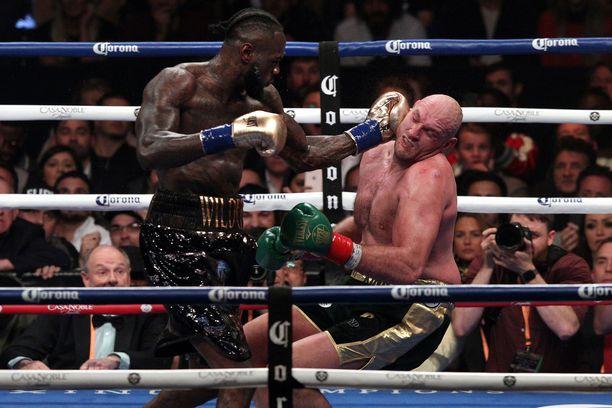 Deontay Wilderin tuimat iskut olivat lähellä tuoda ratkaisun Tyson Furya vastaan. Britti kuitenkin taisteli itsensä kaksi kertaa ylös lattialta.