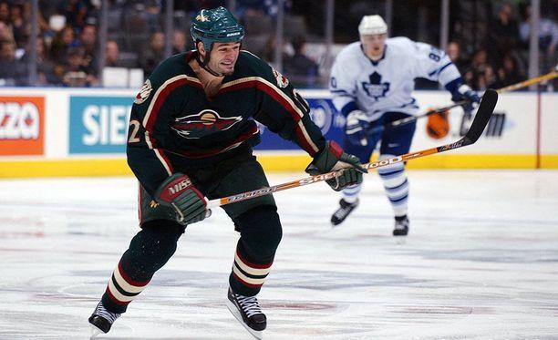 Matt Johnson tienasi NHL-urallaan yli kuusi miljoonaa dollaria. Nykyään hän on koditon.