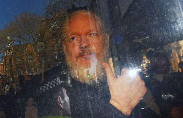 Julian Assange on australialainen tietovuotaja, joka perusti Wikileaksin vuonna 2006.