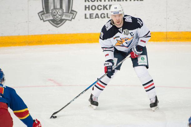 Sergei Mozjakin on KHL:n kaikkien aikojen paras maalintekijä 331 täysosumallaan.