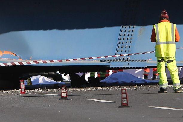 Uhrien ruumiit peiteltiin tapahtumapaikalla A14-moottoritiellä.