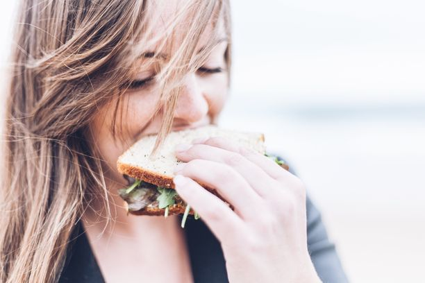 Leipä on ihan okei välipala, eikä gluteenia tarvitse pelätä, jos et sairasta keliakiaa.