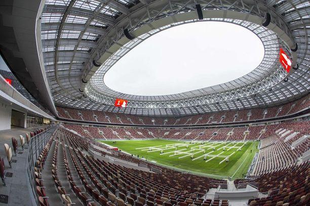 Jalkapallon MM-kisojen avausottelu ja finaali pelataan legendaariselle Luzhnikin stadionilla Moskovassa.