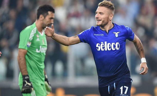 Ciro Immobile ohitti Gianluigi Buffonin kahdesti. Samalla katkesi Juventuksen hurja kotiputki.
