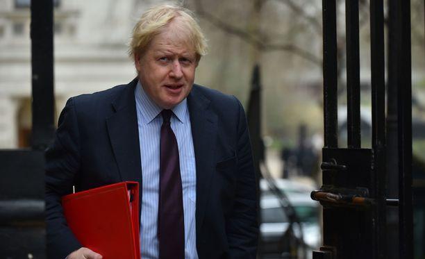 Boris Johnson syyttää hermomyrkkyiskusta suoraan Vladimir Putinia.