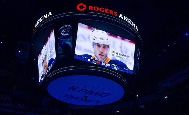 Steve Montadoria muistettiin viime viikolla Vancouver Canucksin kotiluolassa.