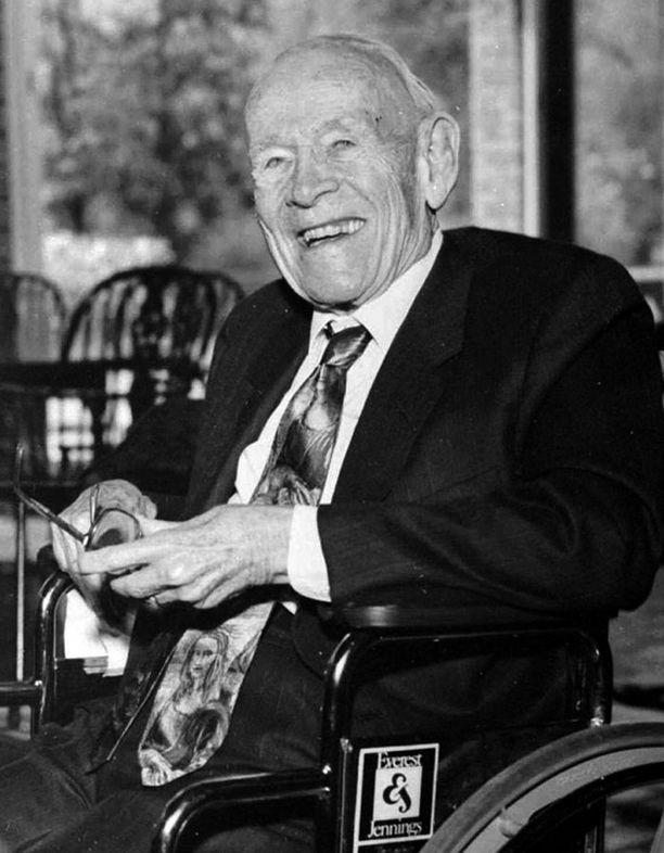 Miljonääri Howard Marshall kuoli viisitoista vuotta sitten. Siitä asti miehen omaisuudesta on kiistelty oikeudessa.