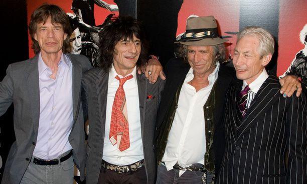 Mick Jagger, Ron Wood, Keith Richards ja Charlie Watts suunnittelevat palaavansa lavoille yhdessä.