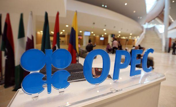 Öljyntuottajamaiden järjestö Opec on päässyt alustavaan sopimukseen öljyntuotannon vähentämisestä.