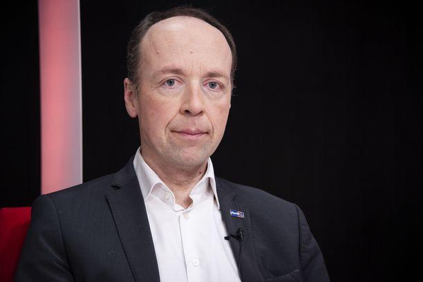 Perussuomalaisten puheenjohtaja Jussi Halla-aho sanoo olevansa käytettävissä, jos valtuusto valitsee hänet pormestariksi.