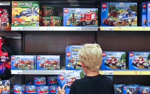 Kolumni: Lelukuvastot opettavat lapsen unelmoimaan tavarasta, kun heidät pitäisi opettaa unelmoimaan tekemisestä