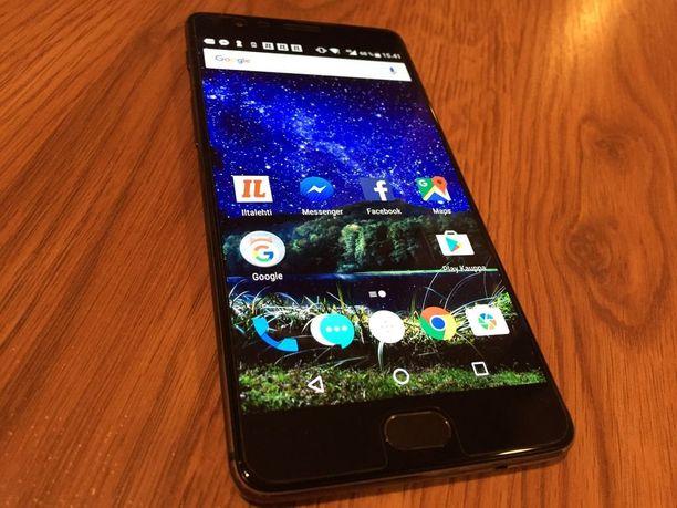 Oneplus 3T -älypuhelin on hinta-laatusuhteeltaan yksi tämän hetken parhaista älypuhelimista.