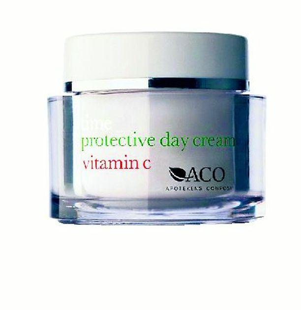 Acon suojaavassa ja pehmentävässä päivävoiteessa (19 €) on hoitavien öljyjen ohella myös muun muassa C-vitamiinia.