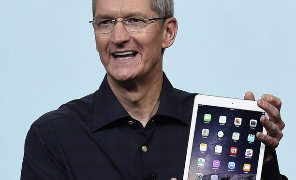 Applen pääjohtaja Tim Cook kirjoitti homoudestaan Businessweekissä torstaina.