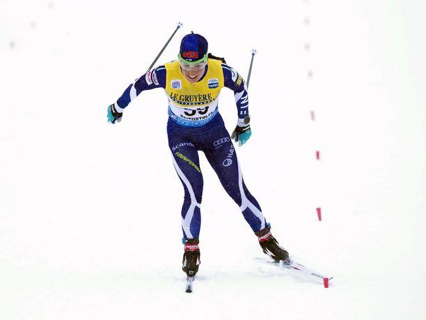 Krista Pärmäkoski eteni Davosin sprintin aika-ajosta vaivatta jatkoon.