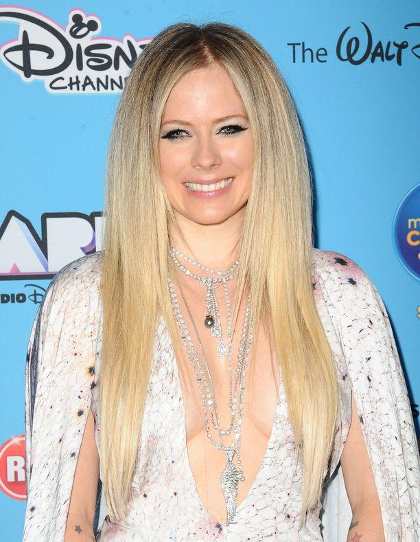 Lavignen kuudes albumi Head Above Water ilmestyi helmikuussa 2019.